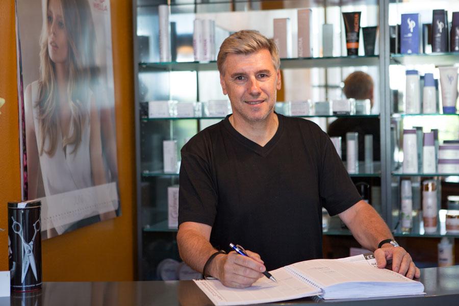 Inhaber Armin Gil von Friseursalon a.gil
